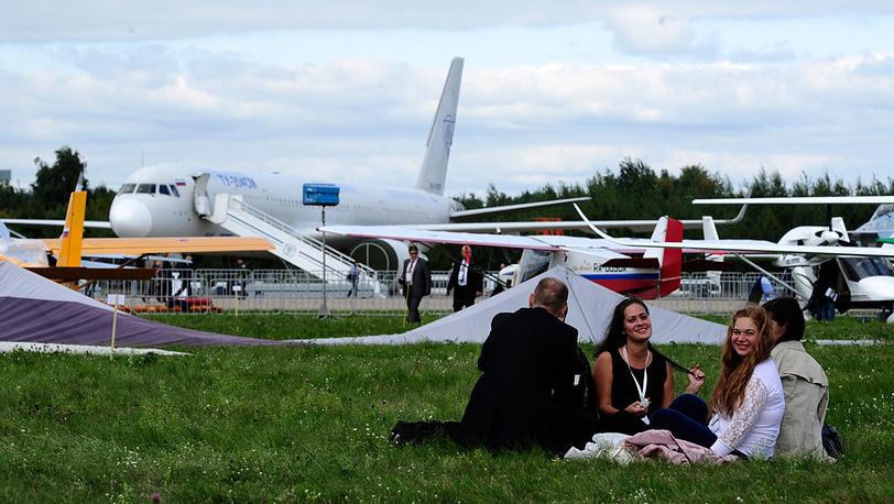 На открытии международного авиасалона МАКС-2013. Фото ИТАР-ТАСС/ Сергей Бобылев