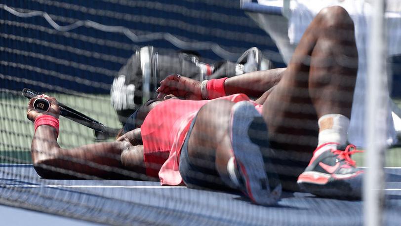 Американская теннисистка Серена Уильямс в матче против представительницы Казахстана Галины Воскобоевой во втором раунде. Фото EPA/JASON SZENES