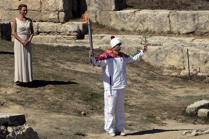 Греческий горнолыжник Яннис Антониу. Фото EPA/ORESTIS PANAGIOTOU