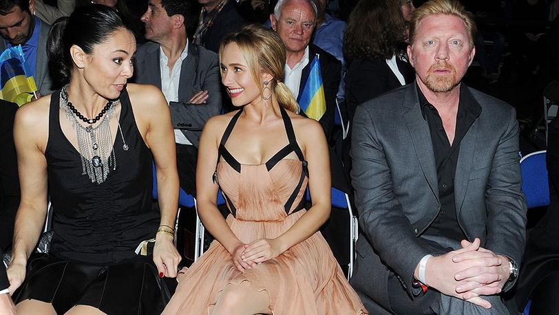 Супруга Виталия Кличко Наталья (слева) и Хейден Панеттьер (в центре). Фото EPA/ULI DECK