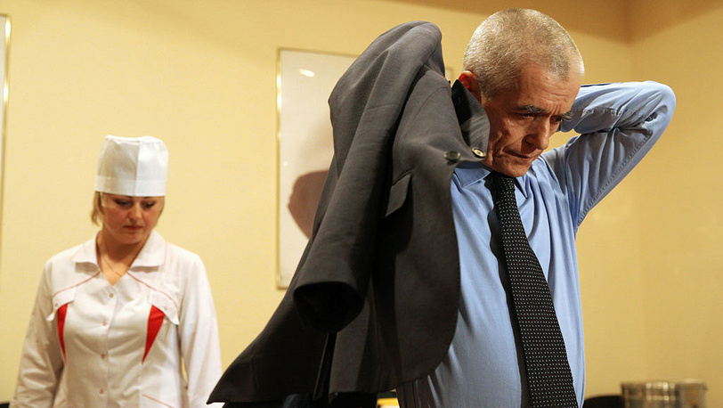 Геннадий Онищенко после вакцинации от гриппа. 2013 год. Фото ИТАР-ТАСС/ Михаил Почуев