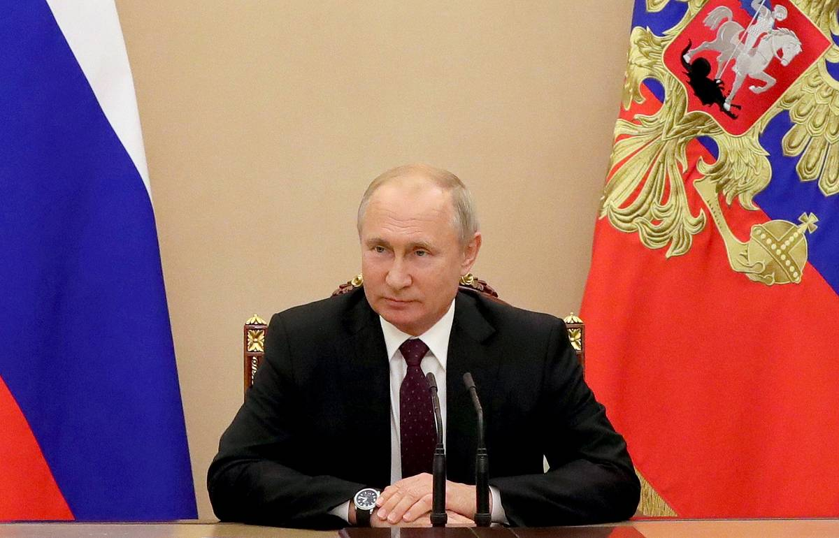 Putin's approval rating sees 3-point rise since January, reaching 64.5%, survey says