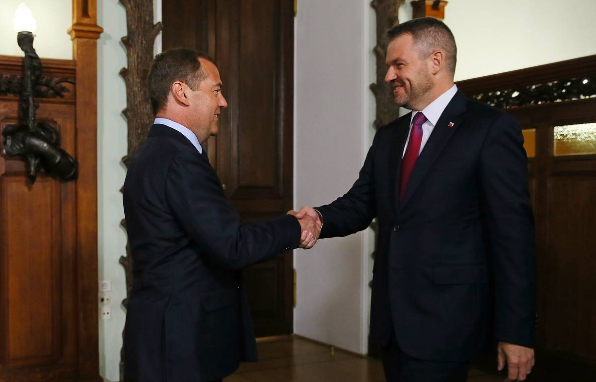 PM Medvedev urges Slovakia to join Nord Stream 2, TurkStream projects