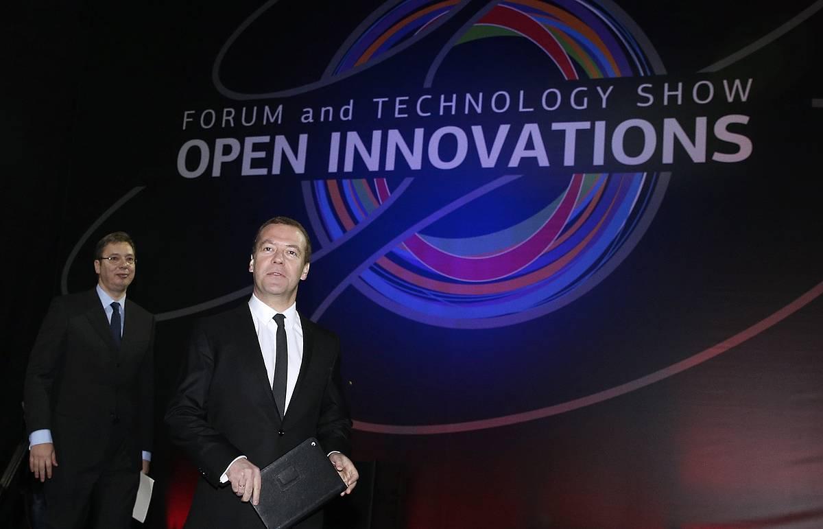Медведев: бизнес-среда в РФ становится более предсказуемой