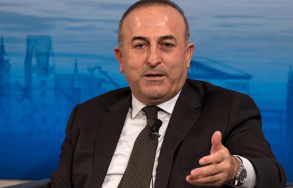 Чавушоглу: четких планов наземной операции Саудовской Аравии против ИГ в Сирии пока нет