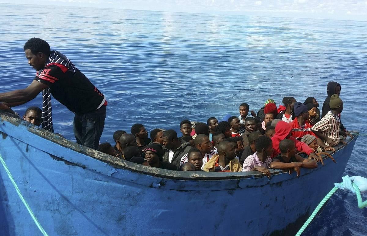 Испанию могут оштрафовать на €4 млрд, если она не примет беженцев по квотам ЕС