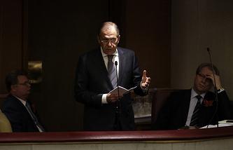 Sergei Lavrov speaks in the State Duma