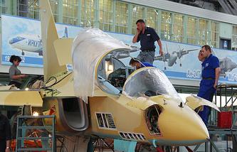 Yak-130 assembling (archive)