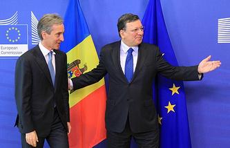 Iurie Leanca (L) and Jose Manuel Barroso (R)