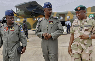 Nigerian Army General Staff Gen.-Maj. Chris Olukolade (right), Air Commanders Emma Anebi (center) and Remi Ekeh (left)