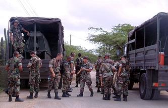 Military servicemen from The Netherlands and Aruba in Oranjestad, Aruba (archive)