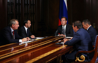 Deputy Prime Minister Arkady Dvorkovich (second left) in a meeting with Dmitry Medvedev