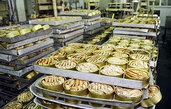 Sprats production facility in Latvia (archive)