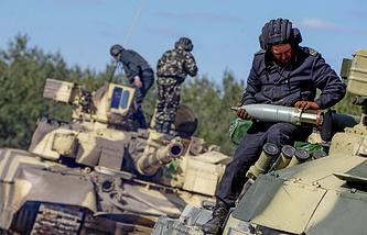 Ukrainian servicemen during military drills (archive)