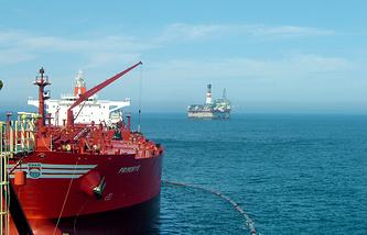 Oil platform mounted on Sakhalin's shelf in the framework of the Sakhalin-2 project