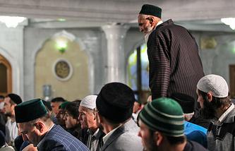 Muslims inside the Kul Sharif Mosque in Kazan
