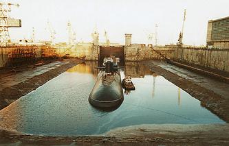 A dock at the Zvyozdochka shipyard (archive)