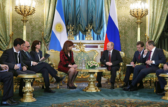 Argentina's president Cristina Fernandez de Kirchner and Russia's president Vladimir Putin during talks at Moscow's Kremlin