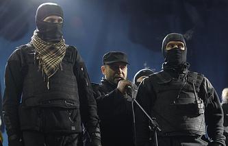 Dmytro Yarosh (center) seen in February 2014