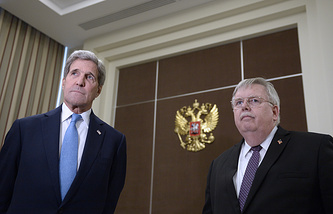 US Secretary of State John Kerry and US Ambassador to Russia John Tefft