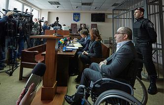 Gennady Kernes (front)
