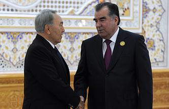 Kazakhstan's President Nursultan Nazarbayev and Tajikistan's President Emomali Rakhmon