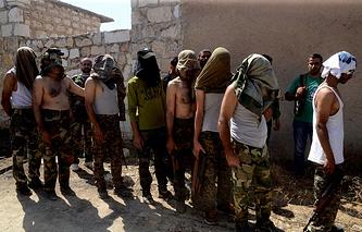 Syrian Opposition gunmen surrender in Aleppo