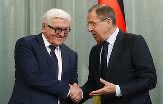 Russian Foreign Minister Sergey Lavrov and his German counterpart Frank-Walter Steinmeier