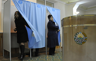 Polling station in Tashkent, 2014