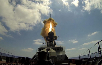 Kalibr missile fired from a Project 21631 Buyan-M series warship