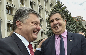 Ukrainian President Pyotr Poroshenko and Mikheil Saakashvili (archive)