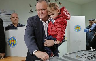 Igor Dodon with son