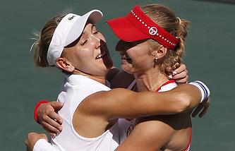 Yelena Vesnina and Yekaterina Makarova