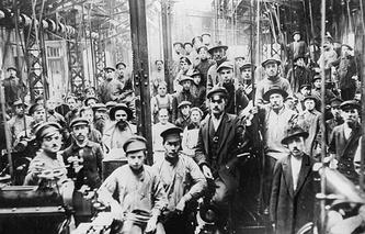 Putilov Factory workers