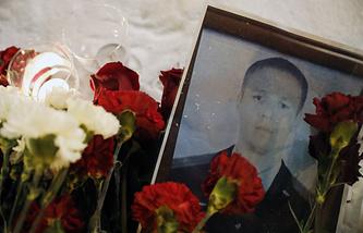 Flowers in memory of Sukhoi Su-25 jet aircraft pilot Roman Filipov