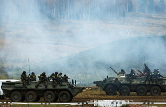 BTR-80 armored personnel carriers