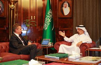 TASS Editor-in-chief Maxim Filimonov and Saudi Arabian Energy Minister Khalid al-Falih