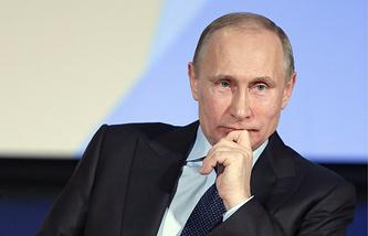 Владимир Путин на встрече со студентами юридических факультетов столичных вузов