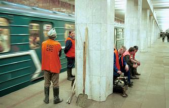 Движение поездов на Замоскворецкой линии, 2001 год