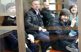 Рустам Махмудов, Лом-Али Гайтукаев, Сергей Хаджикурбанов, Джабраил Махмудов и Ибрагим Махмудов (слева направо)