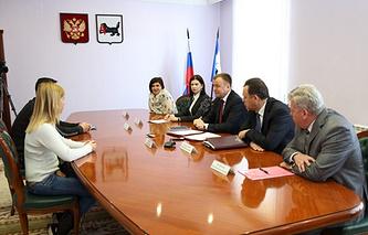 Семья Яремус на встрече с губернатором Иркутской области