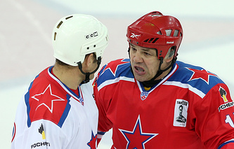 Андрей Коваленко (справа)