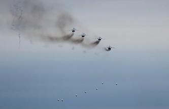 СУ-24. На фото: бомбометание