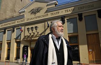 Лев Додин