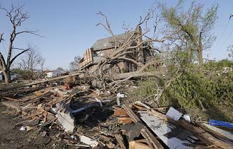 Последствия торнадо, прошедшего 27 апреля 2014 года в штате Канзас