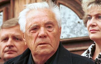 Писатель Виктор Астафьев, 1998 год