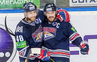 Сергей Мозякин (справа)