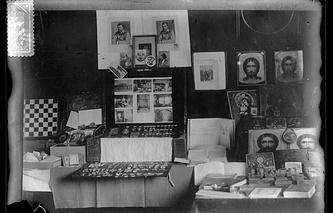 005. Иконы и вещи царской семьи, найденные в доме Ипатьева в Екатеринбурге. 1918. ГА РФ