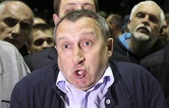 Андрей Дещица у посольства России в Киеве 14 июня