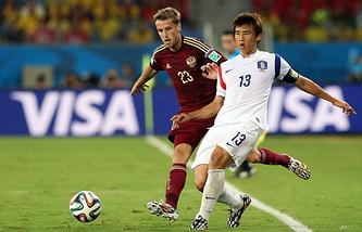Дмитрий Комбаров (слева)